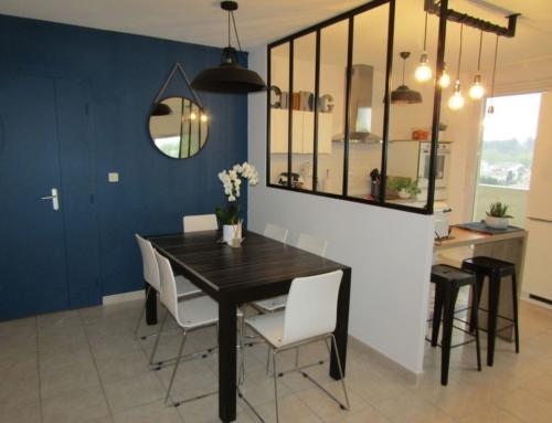 Relooking d'un espace cuisine/salle à manger avec verrière