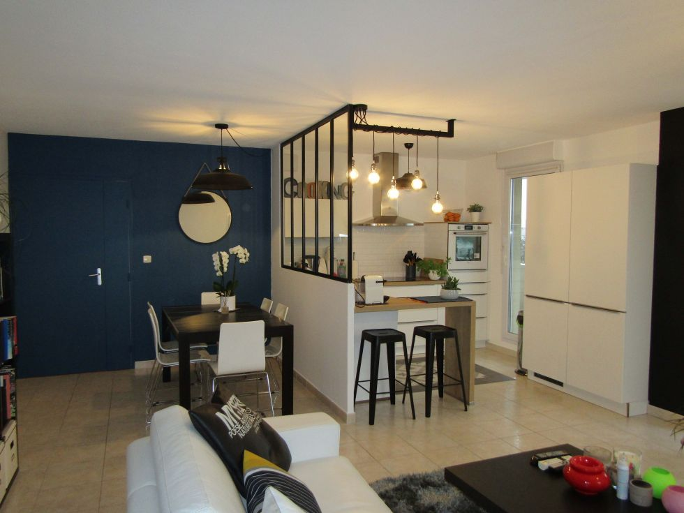 relooking d 39 un espace cuisine salle manger avec verri re renov 39 immo. Black Bedroom Furniture Sets. Home Design Ideas