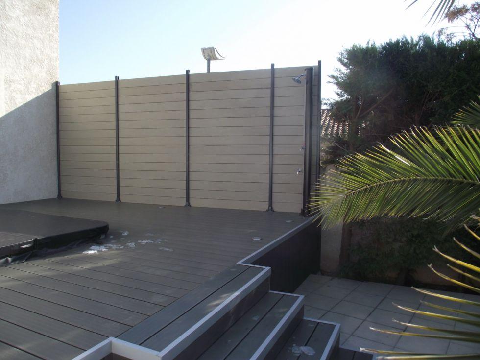 Terrasse En Lames Composite Grise Avec Jacuzzi Renov Immo
