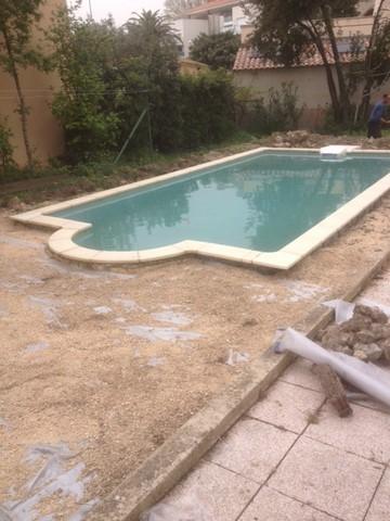 Plage de piscine à Istres