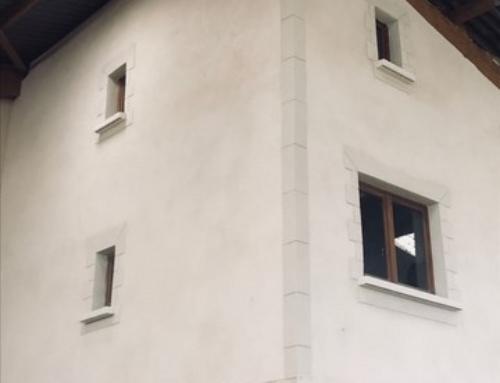 Ravalement de façade dans une écurie